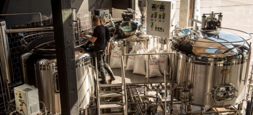 Gooische bierbrouwerij aan het werk